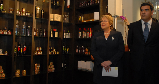 President Michelle Bachelet attended the opening of the store Puro Chile in New York.