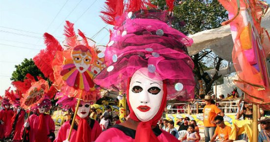 colombian carnaval comes to chilean capital this is chile