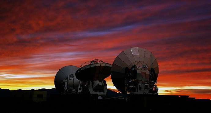 Smartphone users can download an app enabling them to view Chile's skies in 3D using ALMA's 66 antenna. Photo via Wikipedia Commons