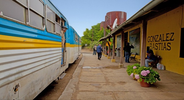 The Talca-Constitución train takes travelers on a journey through beautiful rural Chile. Photo by SERNATUR.