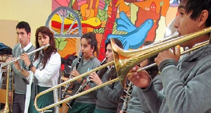 Encouraging artistic and musical education in Chile's schools is high up on the CNCA agenda. Image taken from Consejo de la Cultura website.